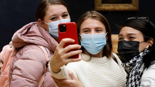 Jeunes-pass-culture-LUDOVIC-MARIN-AFP